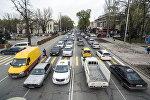 Автомобильный затор на проспекте Чуй в центре Бишкека. Архивное фото