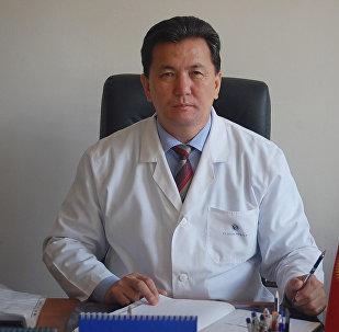 Ош облустук клиникалык ооруканасынын башкы дарыгери Шайырбек Сулайманов