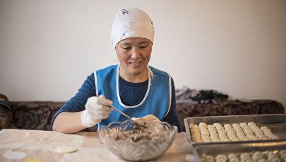 Зиядат Абдылдабекова, которая открыла пельменный цех в новостройке Ала-Тоо на окраине Бишкека