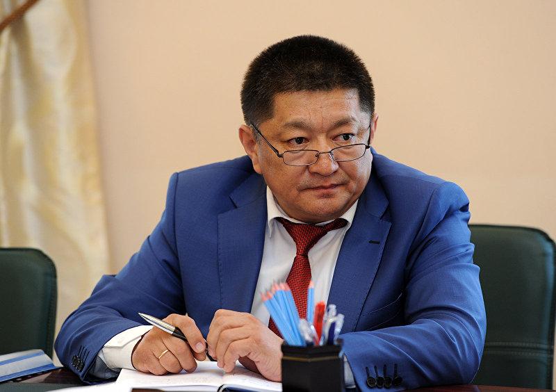 Министр здравоохранения КР Космосбек Чолпонбаев