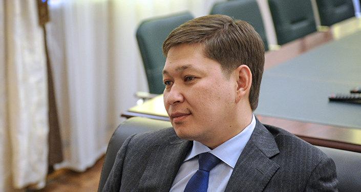 Мурдагы премьер-министр Сапар Исаков. Архив