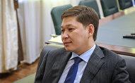 Бывший премьер-министр КР Сапар Исаков. Архивное фото