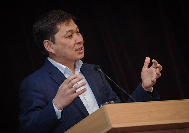 Премьер-министр Кыргызской Республики Сапар Исаков во время выступления