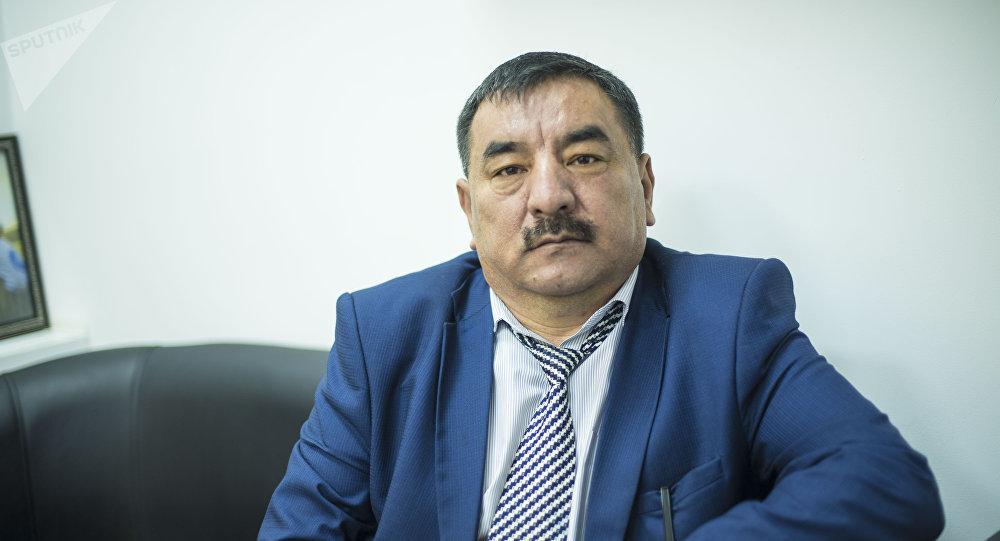 Молдакулов: чет элдиктер кыргыз кызына үйлөнсө мамлекетке 100 миң доллар төлөсүн