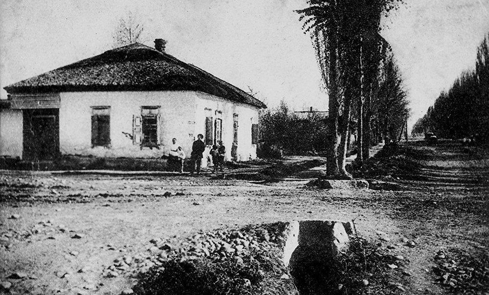 Дом, в котором находился музей Фрунзе. Снимок с открытки 1929 года