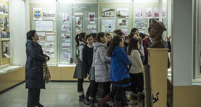 Сейчас в музее около 13 тысяч экспонатов основного фонда.