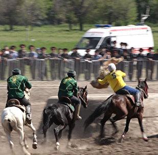 Игроки вылетали из седел — лучшие моменты финала кок-бору в Бишкеке