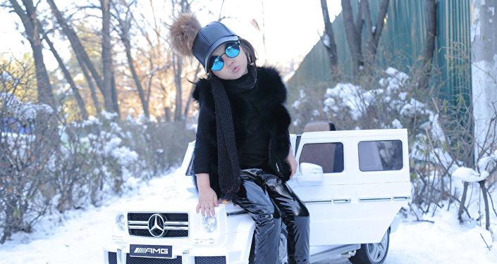 Төрт жашында фотомодель болгон Айыма Бактыбек кызы