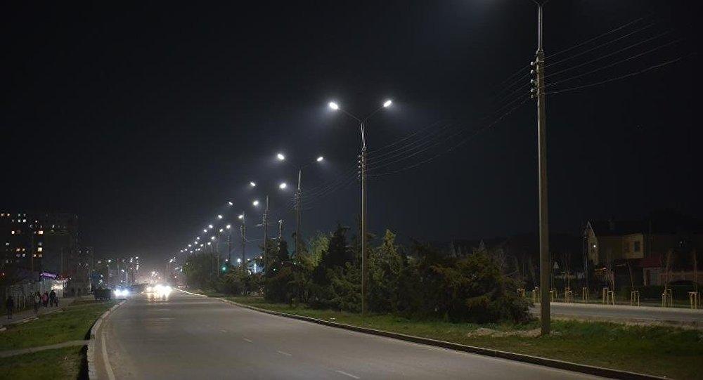 Светодиодные фонари установленные на одной из улиц Бишкека. Архивное фото