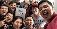 Коллектив проекта 1.1TV с Серебряной кнопкой YouТube