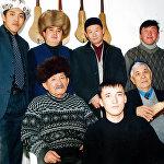 Ашыраалы Айталиев жана Тууганбай Абдиев өздөрү таптаган жаш таланттар менен бирге