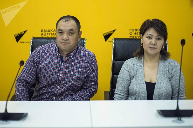 Предприниматели Мээрбек Курманбек уулу и Жыргал Олжобаева, занимающиеся рыбным хозяйством