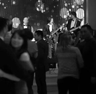 Ностальгия! Появился новый клип на знаменитую песню Мечта группы Элес