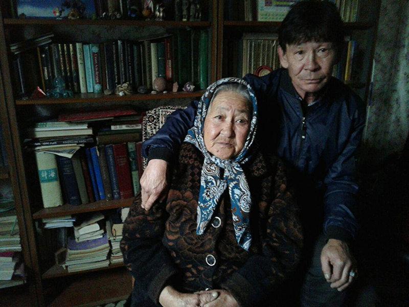 Жительница Каракола, родом из Китая Тамара Саспаева с сыном
