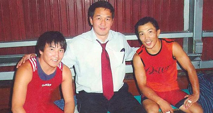 Кыргызский борец греко-римского стиля, чемпион Азии, призер чемпионата мира Раатбек Санатбаев