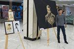 Бишкек шаарында залкар жазуучу Чыңгыз Айтматовдун портрети жана чыгармаларындагы каармандары түрдүү ыкмалар менен тартылган сүрөттөрү чогултулуп көргөзмө