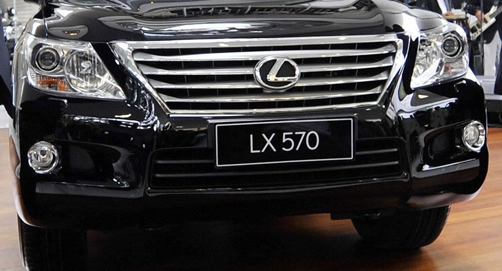 Lexus LX 570 автоунаасы. Архив