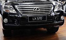 Автомобиль Lexus LX 570. Архивное фото