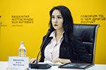 Журналист-блогер, корреспондент Sputnik Кыргызстан Асель Минбаева во время видеомоста в мультимедийном пресс-центре Sputnik Кыргызстан. Архивное фото