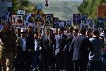 Президент Сооронбай Жээнбеков Бишкекте өткөн Өлбөс полкко 2018-жылы катышкан. Архивдик сүрөт