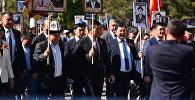 Президент Кыргызстана Сооронбай Жээнбеков на шествии Бессмертный полк. Архивное фото