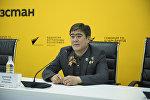 Кыргызстанский космонавт, герой Кыргызстана и России Салижан Шарипов в мультимедийном пресс-центре Sputnik Кыргызстан