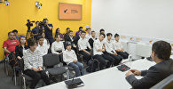 Встреча школьников столичной гимназии в космонватом Салижаном Шариповым