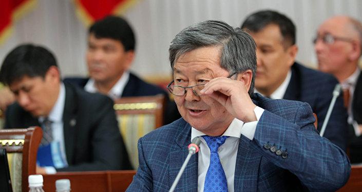 Экс-премьер-министр Жантөрө Сатыбалдиев. Архив