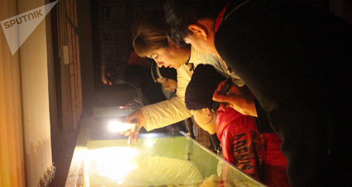 Посетители акции ночь в музее в городе Каракол. Архивное фото