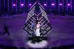 У британки во время выступления на Евровидении отобрали микрофон — видео