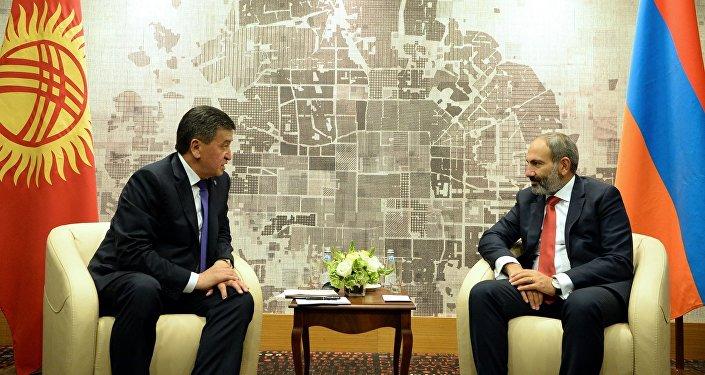 Президент Кыргызстана Сооронбай Жээнбеков встретился с премьер-министром Армении Николом Пашиняном