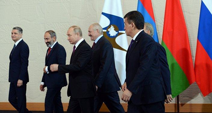 Президент РФ озвучил решение ЕАЭС поМолдове