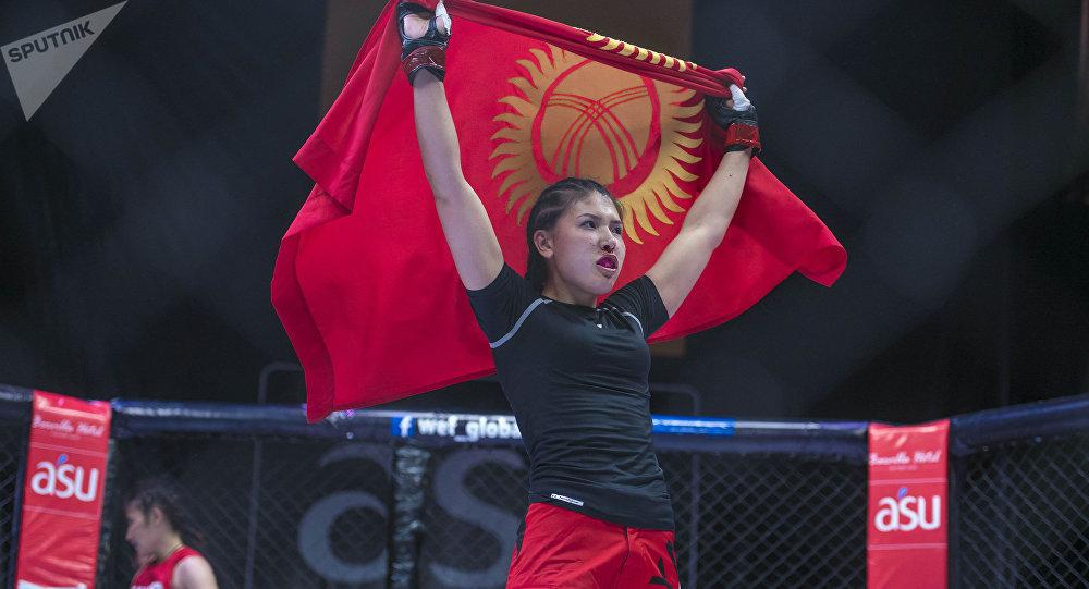 Кыргызстандык ММА мушкери Барчынай Узгенбаева. Архив