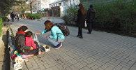 Она бесплатно раздает еду из ресторанов — история бишкекчанки