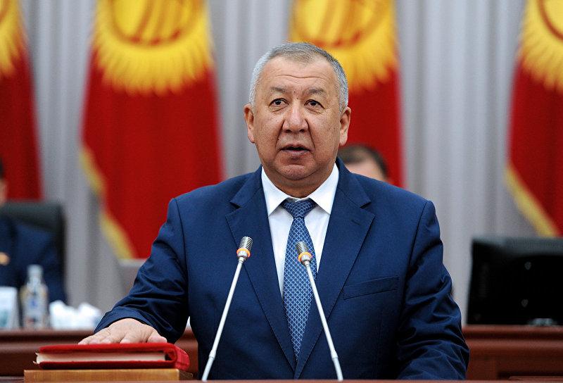 Первый вице-премьер-министр КР Кубатбек Боронов во время присяги