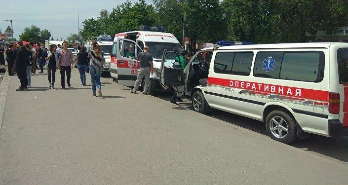Бишкектеги Орто-Сай базары жардыруучу түзүлүш тууралуу билдирүүдөн кийин тегерете курчоого алынды
