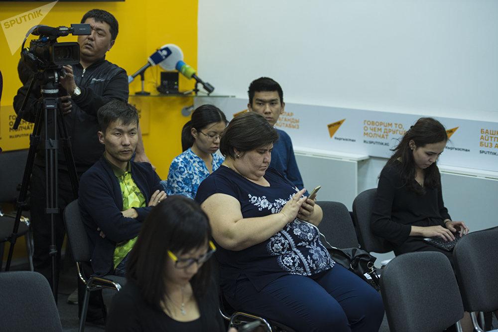 Фотографии участников могут использоваться журналистами для иллюстрации материалов с обязательной гиперссылкой на Sputnik.kg и указанием авторства.