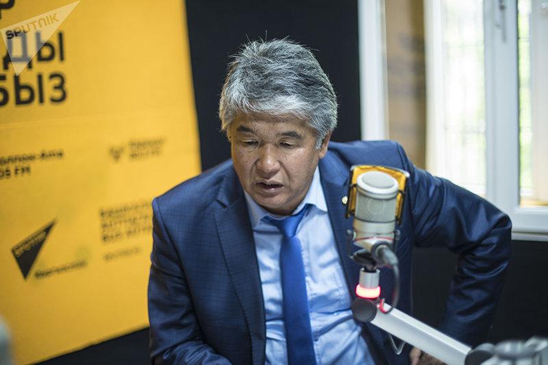 Драматург Султан Раев в студии Sputnik Кыргызстан