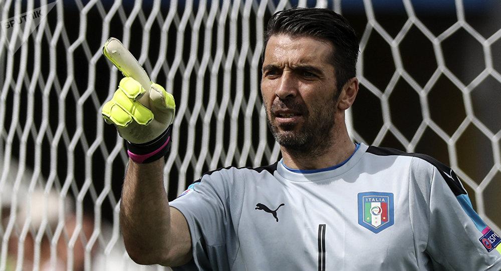 Архивное фото вратаря сборной Италии Джанлуиджи Буффона