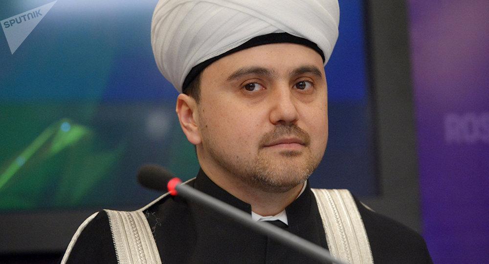 Архивное фото председателя Духовного управления мусульман России Рушана Аббясова