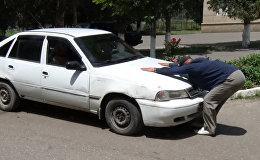 Это феноменально! В Кыргызстане живет человек-магнит — видео