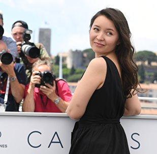 Актриса Самал Еслямова на фотосессии фильма Айка (Ayka) в рамках 71-го Каннского международного фестиваля.