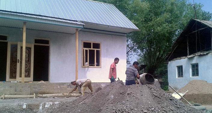 Жүрөк жылыткан бул ишти Өзгөндүн Кашка-Терек айылында эле эмес, Бишкекте, Россияда жашап-иштеп жаткандар ишке ашырыптыр