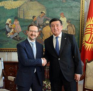 Президент Сооронбай Жээнбеков бүгүн, 22-майда ЕККУнун башкы катчысы Томас Гремингерди кабыл алды
