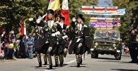 Военнослужащие во время праздничного парада, посвященного 25-й годовщине провозглашения независимости Южной Осетии. Архивное фото