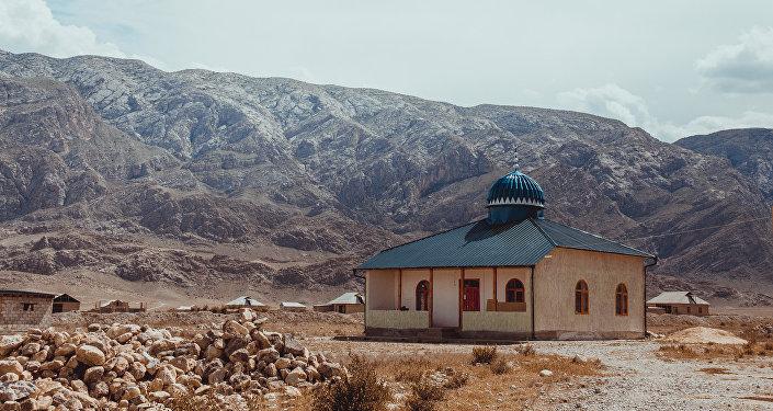 Лонгрид: Мечеть в селе Ак-Татыр Баткенской области_kyr