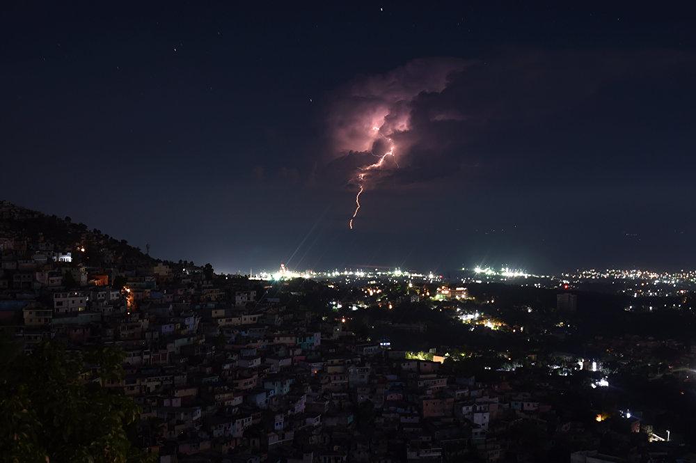 Гроза в Порт-о-Пренс. Гаити