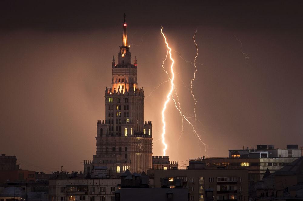 Сильная гроза в Москве