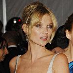 На фото британская супермодель Кейт Мосс. Хирург посчитал, что она должна войти в его рейтинг.