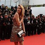 Фотомодель Кара Делевинь на красной дорожке 67-го Каннского кинофестиваля